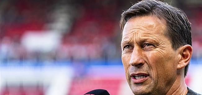 Foto: Schmidt ruziet met Hans Kraay na 'slechte vraag'
