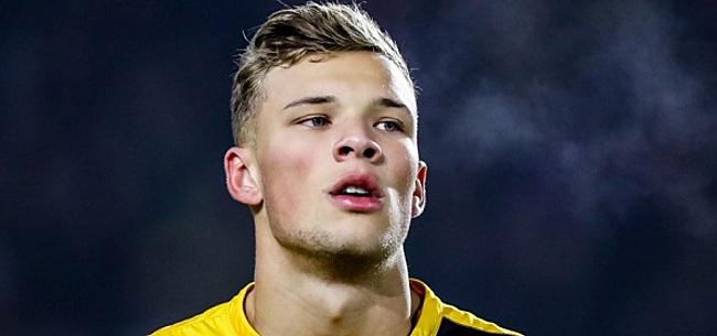 Foto: Keuken Kampioen Divisie: Jong Ajax wint mini-topper, Van Hooijdonk goud waard