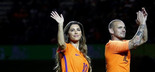 Foto: Bejaarden schrikken zich dood: 'Sneijder stond te plassen'