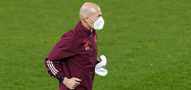 Foto: Spaanse kranten kielhalen Zidane na 'blunder'